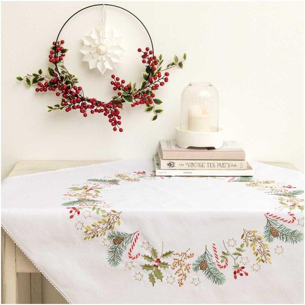 Rico Design Stickpackung Decke Weihnachtskranz 95x95cm